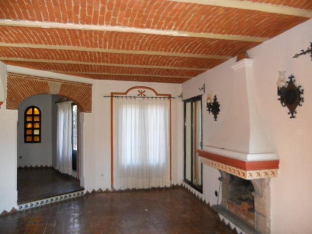 Renta de casa en Fracc. Claustros en Tequisquiapan, Qro. Tx- 642 (1)