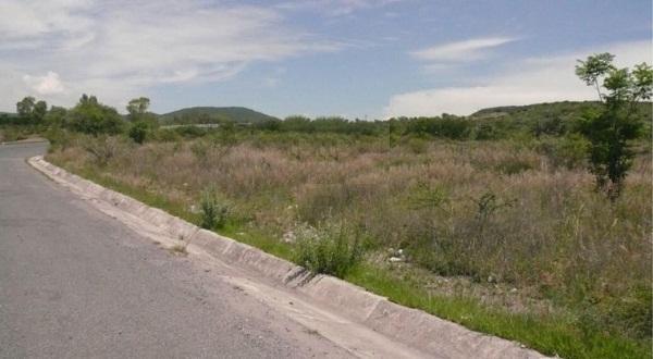 Terreno en Venta en Querétaro en Mompani Tx-2210
