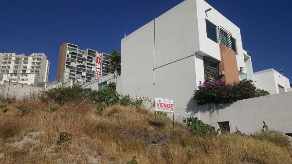 Terreno en venta Fraccionamiento Balcones Coloniales en Querétaro Tx-2303 (2)