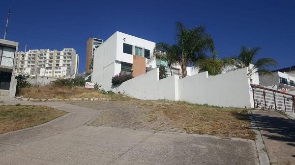 Terreno en venta Fraccionamiento Balcones Coloniales en Querétaro Tx-2303 (7)