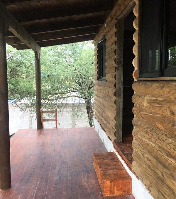 Venta de Cabaña y Local en Tequisquiapan en Querétaro Col. El Sauz Tx-2347