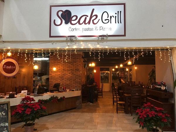 Traspaso de Stear Grill (Cortes, pastas & Pizzas) en plaza Pedregal en Tequisquiapan, Querétaro Tx-2351