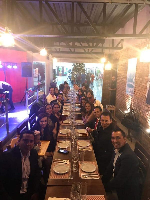 Traspaso de Stear Grill (Cortes, pastas & Pizzas) en plaza Pedregal en Tequisquiapan, Querétaro Tx-2351 (5)