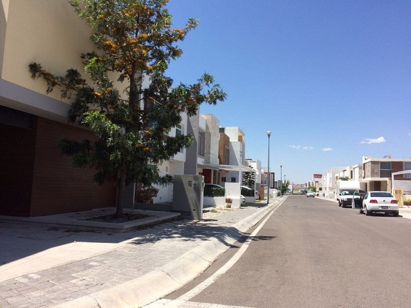 Venta de Terreno en Fraccionamiento ZEN HOUSE, Querétaro Tx-2352 (4)