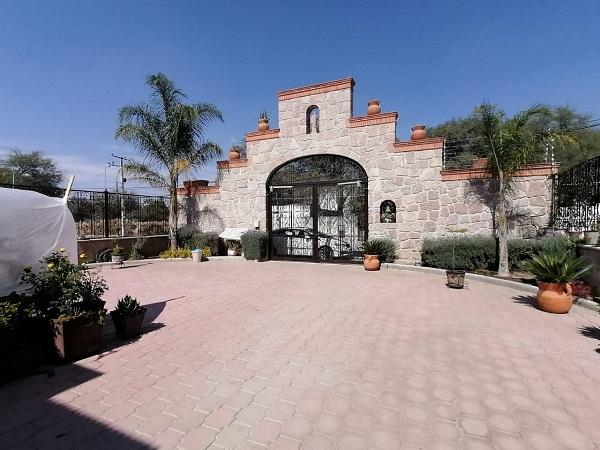 Venta de casa en Tequisquiapan, Querétaro en Col. El Sauz Tx-2372