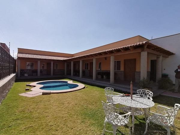 Venta y Renta de bungalows en plaza Santa Lucia en Tequisquiapan Col. Sauz Tx-2371 (17)