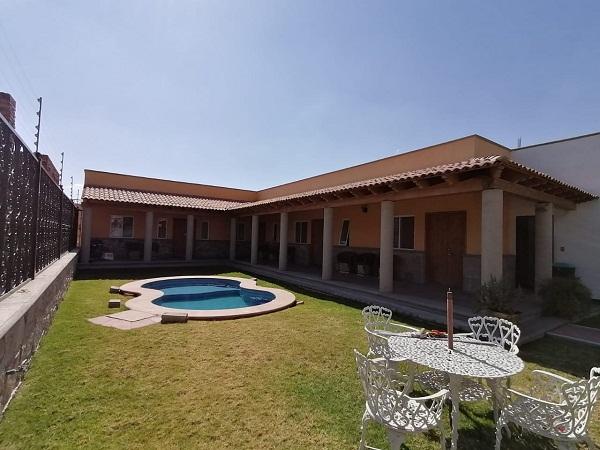 Venta y Renta de bungalows en plaza Santa Lucia en Tequisquiapan Col. Sauz Tx-2371 (9) - copia