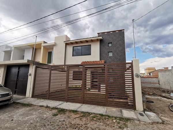 VENTA DE CASA EN COL. VISTA HERMOSA EN TEQUISQUIAPAN TX-2396