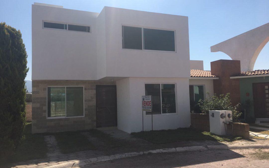 Casa en Venta en Fracc. Villas Campestre en Tequisquiapan Qro TX-2098-75