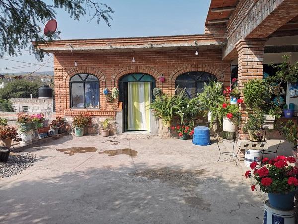 Venta de casa en Tequisquiapan en Querétaro en Col. Fuentezuelas  Tx-2336
