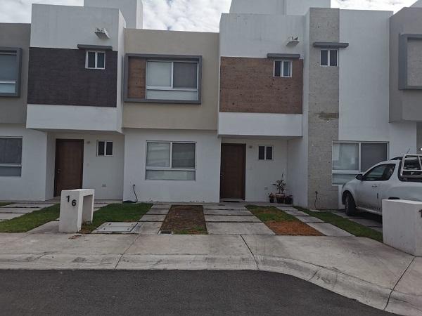 Casa en Venta en Fraccionamiento Sonterra en Querétaro Tx-2359