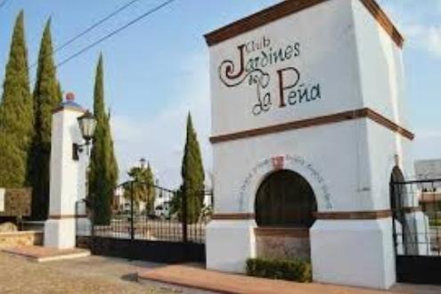 Casa en Venta en Fracc. Jardines de la Peña, Peña de Bernal, Querétaro Tx-2369
