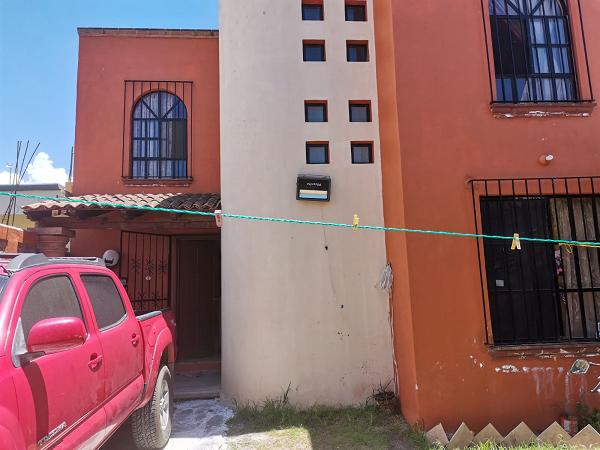 VENTA DE CASA EN COL. LAS FUENTES MUNICIPIO DE EZEQUIEL DE MONTES TX-2439